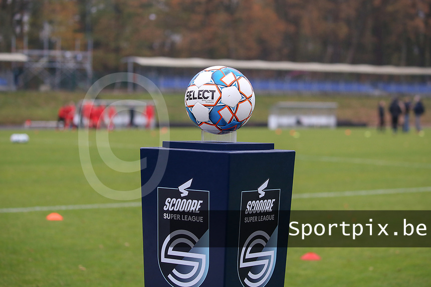 Match ball pictured before  a female soccer game between FC Femina WS Woluwe and RSC Anderlecht Women on the eight match day of the 2020 - 2021 season of Belgian Women's Super League , Sunday 22nd of November 2020  in Woluwe, Belgium . PHOTO SPORTPIX.BE | SPP | SEVIL OKTEM