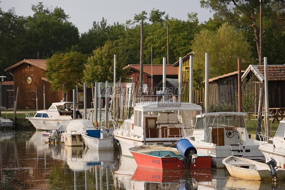 Europe/France/Aquitaine/33/Gironde/Bassin d'Arcachon/Biganos: Port ostréicole de Biganos sur le delta de l'Eyre