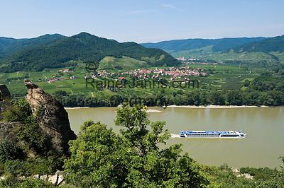 Austria, Lower Austria, UNESCO World Heritage Wachau, view from ruin Duernstein across river Danube towards wine village Rossatz