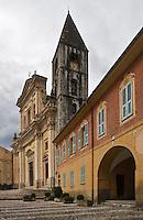 Europe/France/Provence-Alpes-Côtes d'Azur/06/Alpes-Maritimes/Alpes-Maritimes/Arrière Pays Niçois/Sospel: La place St-Michel et  la cathédrale Saint-Michel - époque Baroque