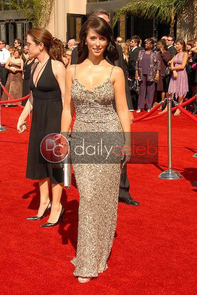 Jennifer Love Hewitt<br />arriving at the 58th Annual Primetime Emmy Awards. The Shrine Auditorium, Los Angeles, CA. 08-27-06<br />Scott Kirkland/DailyCeleb.com 818-249-4998