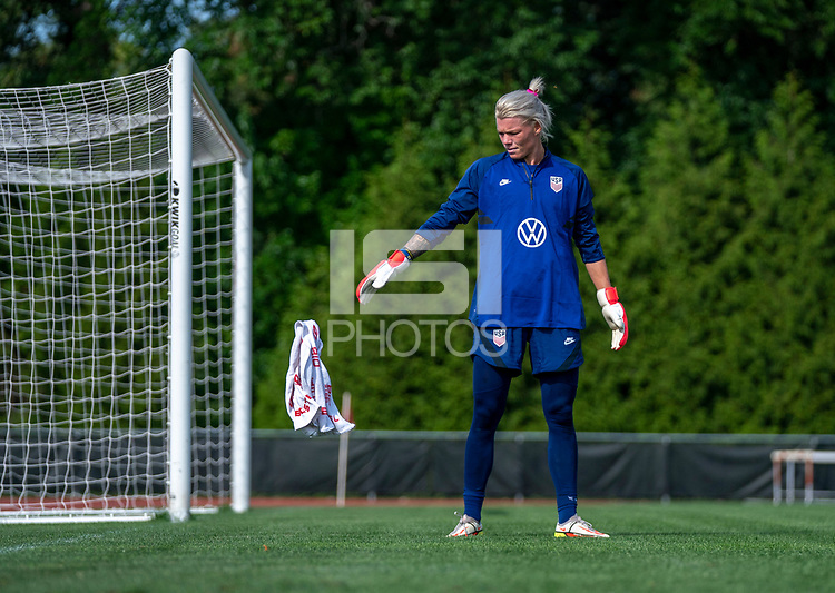 CLEVELAND, OH - SEPTEMBER 14: Jane Campbell of the United States throws down a towel during a training session at the training fields on September 14, 2021 in Cleveland, Ohio.