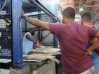 Recife (PE), 31/03/2021 - Mercado de São Jose tem grande movimentação para compra de peixes para a Semana Santa. Mesmo com a pandemia o movimento foi intenso. O mercado fica no Bairro de São José área central do Recife.