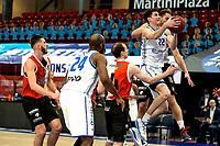 31-03-2021: Basketbal: Donar Groningen v ZZ Feyenoord: Groningen , Donar speler Will Moreton in duel met Feyenoord speler Jeroen van der List