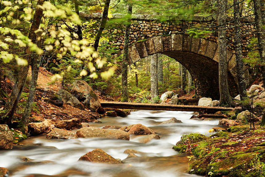 Carriage road and foot bridge over Jordan Stream, Mount Desert Island, Hancock County, Acadia National Park, Maine, US