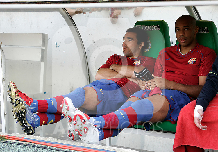 FC Barcelona's players Thierry Henry (r) and Deco (l) before the Spanish League match between Racing de Santander and FC Barcelona at El Sardinero Stadium in Santander, Sunday August 26 2007. (ALTERPHOTOS/B.Echavarri).