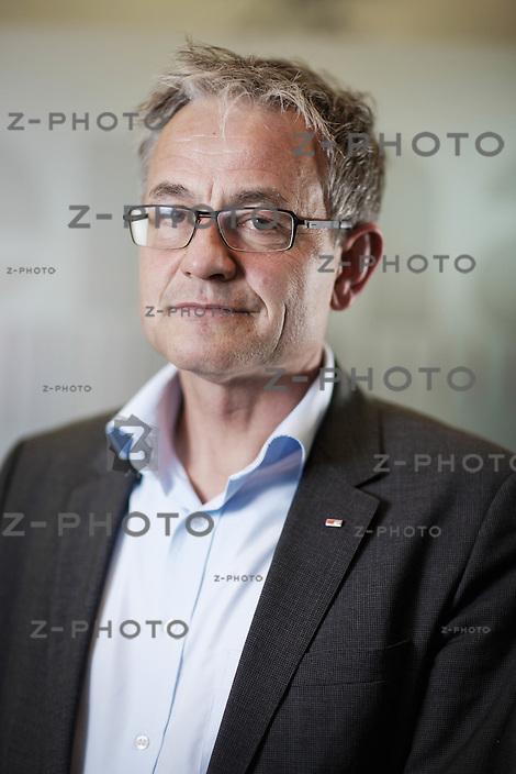Interview und Portrait mit Nicolas Perrin Leiter von SBB Cargo International mit Sitz in Olten, Riggenbachstrasse 6 in Olten am 7. April 2014 <br /> <br /> Copyright © Zvonimir Pisonic