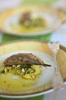 Europe/France/Provence-Alpes-Côte d'Azur/13/Bouches-du-Rhône/Noves: Friture d'anchois avec sa ravigote, recette de Robert Lalleman  de l' Auberge de Noves