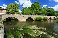 France, Corrèze (19), Voutezac, Le Saillant, pont médiéval sur la Vézère // France, Correze, Voutezac, Le Saillant, bridge over the Vezere river
