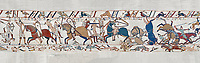 Bayeux Tapestry scene 53a : Fierce fighting between Norman and Saxon soldiers at The Battle of Hastings.  BYX53a