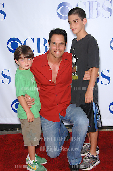 The Young and The Restless star DON DIAMONT & sons at the CBS Summer Press Tour Stars Party at the Rose Bowl in Pasadena, CA. .July 15, 2006  Pasadena, CA.© 2006 Paul Smith / Featureflash