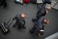 2. NSU-Untersuchungsausschuss des Deutschen Bundestag.<br /> Aufgrund vieler Ungeklaertheiten und Fragen sowie vielen neuen Erkenntnissen ueber moegliche Verstrickungen verschiedener Geheimdienste in das Terror-Netzwerk Nationalsozialistischen Untergrund (NSU) wurde von den Abgeordneten des Bundestgas ein zweiter Untersuchungsausschuss eingesetzt.<br /> Am Donnerstag den 17. Dezember fand die 1. oeffentliche Sitzung des 2. NSU-Untersuchungsausschuss des Deutschen Bundestag statt.<br /> Im Bild: Der Sachverstaendige, NRW-Verfassungsschutzchef Burkhard Freier (links) geht nach seinem Vortrag.<br /> 17.12.2015, Berlin<br /> Copyright: Christian-Ditsch.de<br /> [Inhaltsveraendernde Manipulation des Fotos nur nach ausdruecklicher Genehmigung des Fotografen. Vereinbarungen ueber Abtretung von Persoenlichkeitsrechten/Model Release der abgebildeten Person/Personen liegen nicht vor. NO MODEL RELEASE! Nur fuer Redaktionelle Zwecke. Don't publish without copyright Christian-Ditsch.de, Veroeffentlichung nur mit Fotografennennung, sowie gegen Honorar, MwSt. und Beleg. Konto: I N G - D i B a, IBAN DE58500105175400192269, BIC INGDDEFFXXX, Kontakt: post@christian-ditsch.de<br /> Bei der Bearbeitung der Dateiinformationen darf die Urheberkennzeichnung in den EXIF- und  IPTC-Daten nicht entfernt werden, diese sind in digitalen Medien nach §95c UrhG rechtlich geschuetzt. Der Urhebervermerk wird gemaess §13 UrhG verlangt.]