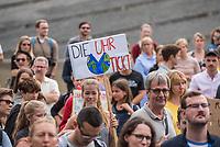 """Schuelerstreik und Demonstration """"Fridays4Future"""" (#f4f) in Berlin.<br /> Ca. 2.000 Menschen, hauptsaechlich Schuelerinnen und Schueler versammelten sich am Freitag den 19. Juli 2019 in Berlin mit ihrer woechentlichen Klimademonstration vor dem Wirtschaftsministerium in Berlin. Sie protestieren gegen die Klimapolitik der Wirtschaft und der Bundesregierung und fordern die Einhaltung der """"Pariser Klimaziele"""", die eine Begrenzung der Erderwaermung auf 1,5°C vorsieht.<br /> Als Gast sprach die schwedische Klimaschutzaktivistin Greta Thunberg, die mit ihrem individuellen Schulstreik die """"Fridays for Future"""" ausgeloest hat.<br /> 19.7.2019, Berlin<br /> Copyright: Christian-Ditsch.de<br /> [Inhaltsveraendernde Manipulation des Fotos nur nach ausdruecklicher Genehmigung des Fotografen. Vereinbarungen ueber Abtretung von Persoenlichkeitsrechten/Model Release der abgebildeten Person/Personen liegen nicht vor. NO MODEL RELEASE! Nur fuer Redaktionelle Zwecke. Don't publish without copyright Christian-Ditsch.de, Veroeffentlichung nur mit Fotografennennung, sowie gegen Honorar, MwSt. und Beleg. Konto: I N G - D i B a, IBAN DE58500105175400192269, BIC INGDDEFFXXX, Kontakt: post@christian-ditsch.de<br /> Bei der Bearbeitung der Dateiinformationen darf die Urheberkennzeichnung in den EXIF- und  IPTC-Daten nicht entfernt werden, diese sind in digitalen Medien nach §95c UrhG rechtlich geschuetzt. Der Urhebervermerk wird gemaess §13 UrhG verlangt.]"""