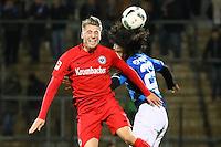 Niklas Thiel (Eintracht Frankfurt) verteidigt gegen La'Vere Corbin-Ong (FSV Frankfurt)- 10.11.2016: FSV Frankfurt vs. Eintracht Frankfurt, Frankfurter Volksbank Stadion
