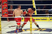 Fatjon Murati (ALB, schwarz) vs. Steve Kroekel (Halle, D, weiss)<br /> Vitali Klitschko vs. Juan Carlos Gomez, Hanns-Martin Schleyer Halle *** Local Caption *** Foto ist honorarpflichtig! zzgl. gesetzl. MwSt. Auf Anfrage in hoeherer Qualitaet/Aufloesung. Belegexemplar an: Marc Schueler, Am Ziegelfalltor 4, 64625 Bensheim, Tel. +49 (0) 151 11 65 49 88, www.gameday-mediaservices.de. Email: marc.schueler@gameday-mediaservices.de, Bankverbindung: Volksbank Bergstrasse, Kto.: 151297, BLZ: 50960101