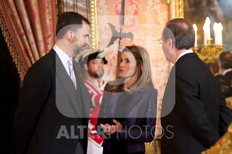 Spanish King Juan Carlos, Queen Sofia, Prince Felipe and Princess Letizia attended the Reception to Foreign Ambassadors at The Royal Palace in Madrid..Photo: Billy Chappel / ALFAQUI