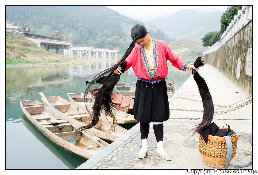 Chine<br /> Marché de long Pi, femme Yao.