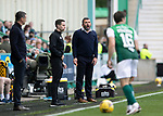 Hibs v St Johnstone…22.09.21  Easter Road.    SPFL<br />Callum Davidson shouts at his players<br />Picture by Graeme Hart.<br />Copyright Perthshire Picture Agency<br />Tel: 01738 623350  Mobile: 07990 594431