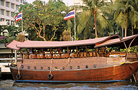 "Thaïlande/Bangkok: Navigation sur le Chao Phraya la jonque de l'hôtel ""Oreintal"""