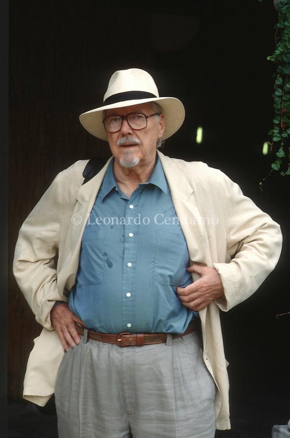 Robert Bernard Altman was an American film director, screenwriter, and producer. A five-time nominee of the Academy Award for Best Director and an enduring. Lido 8 september 1993. © Leonardo Cendamo