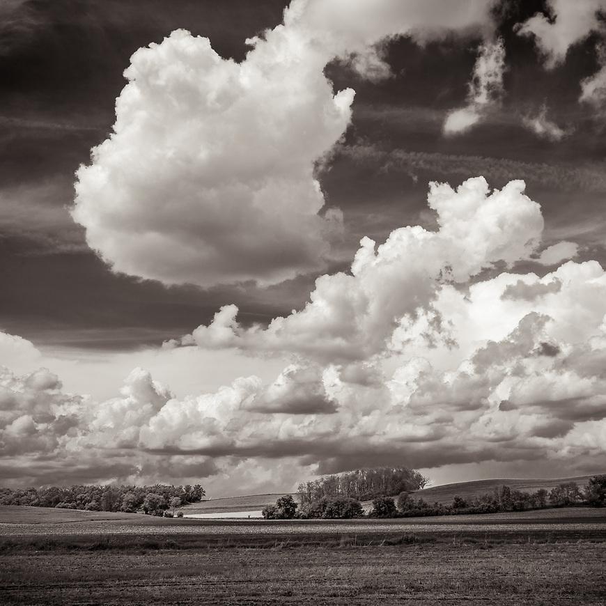 PRAIRIE CLOUDS #blackandwhite #monochrome #wisconsin #midwestmemoir #photograph #landscape #B&W #wisconsinphotograph #photography #wisconsinphotographer #black&white  #midwest #prairie #clouds #cloudporn #theprintswap