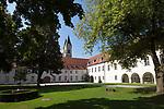 Deutschland, Niederbayern, Benediktinerkloster Niederaltaich: Klosteranlage und Barockbasilika | Germany, Lower Bavaria, Niederaltaich: Benedictine Monastery with baroque Basilica