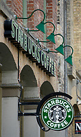 Toronto (ON) CANADA, May 24, 2007<br /> <br /> Starbuck coffe shop, on Front street east in Toronto.<br /> <br /> Photo by Pierre Roussel - Images Distribution