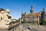 Deutschland, Freistaat Sachsen, Dresden: Blick vom Zwinger zum Residenzschloss   Germany, the Free State of Saxony, Dresden: view from Zwinger Palace towards Dresden Castle