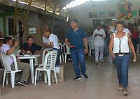 MONTERIA - COLOMBIA, 17-06-2018: Colombianos ejercen su derecho al voto durante la segunda vuelta de las elecciones presidenciales de Colombia 2018 hoy domingo 17 de junio de 2018. El candidato ganador gobernará por un periodo máximo de 4 años fijado entre el 7 de agosto de 2018 y el 7 de agosto de 2022. / Colombians exercise their right to vote during Colombia's second round of 2018 presidential election today Sunday, June 17, 2018. The winning candidate will govern for a maximum period of 4 years fixed between August 7, 2018 and August 7, 2022. Photo: VizzorImage / Santiago Ososrio / Cont