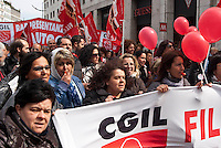 Milano, sciopero generale proclamato dalla CGIL per protestare contro il governo Monti e la riforma del lavoro --- Milan, general strike proclaimed by CGIL trade union, as a protest against the government and the labor reform