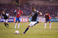 San Jose, Costa Rica - Wednesday, September 6, 2013: The USMNT vs Costa Rica during a WC Qualifying match at Estadio Nacional. Clint Dempsey scores on a penalty kick.