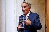 Emilio Fede con il libro<br /> Roma 23-09-2015 Capranichetta. Presentazione del libro 'Se tornassi ad Arcore'.<br /> Photo Samantha Zucchi Insidefoto