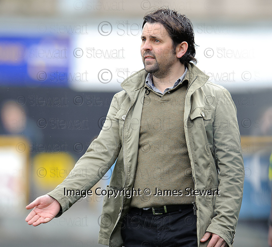 Alloa boss Paul Hartley.