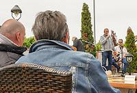 """Groß-Gerau 07.06.2020: Sonntagsmatinee<br /> Walter Seeger begrüßt die Gäste bei der ersten Sonntagsmatinee des Jahres mit """"Come together""""<br /> Foto: Vollformat/Marc Schüler, Schäfergasse 5, 65428 R'heim, Fon 0151/11654988, Bankverbindung KSKGG BLZ. 50852553 , KTO. 16003352. Alle Honorare zzgl. 7% MwSt."""