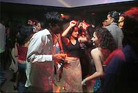 jbo11455 Asia India Bombay megacity urban jungle youth dicotheque dance dancing fun enjoy life.copyright Joerg Boethling / agenda / GA