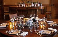 Europe/France/Aquitaine/33/Gironde/Pauillac: Château Pontet Canet (AOC Pauillac) - La salle à manger - Table dressée