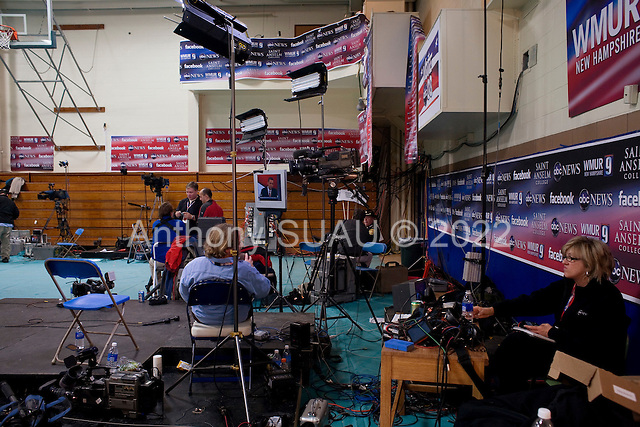 Manchester, New Hampshire<br /> January 5, 2008<br /> <br /> The press waits in the spin room during the debates with first the Republicans and then the Democrats at Aselm College.