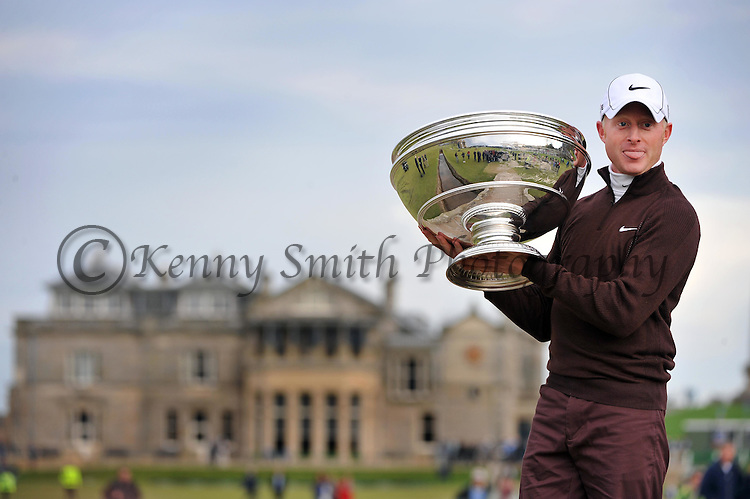 Pic Kenny Smith............. 05/10/2009.Dunhill Links Championship, St Andrews Links final day, Champion Simon Dyson celebrates with the trophy on the Swilkan Bridge