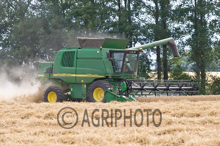 Harvesting Viscount Wheat on Henry Hirst Farms, Home Farm,Uffington,Stamford,Lincolnshire