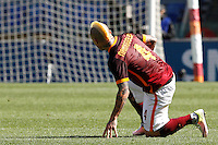 Calcio, Serie A: Roma vs Napoli. Roma, stadio Olimpico, 25 aprile 2016.<br /> Roma's Radja Nainggolan during the Italian Serie A football match between Roma and Napoli at Rome's Olympic stadium, 25 April 2016.<br /> UPDATE IMAGES PRESS/Riccardo De Luca