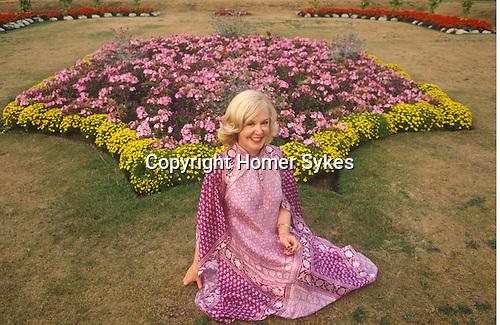 """Kathy Kirby """"Come Back"""" tour Patti Pavilion, Swansea Wales 1983."""
