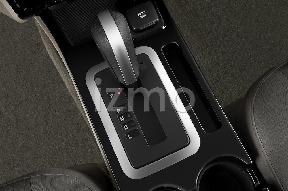 Gear shift detail view of a 2009 Mazda Tribute Hybrid