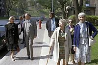 Claude Ryan<br />  et son epouse, en campagne referendaire, le 20 mai 1980, a Outremont<br /> <br /> PHOTO : Agence Quebec Presse