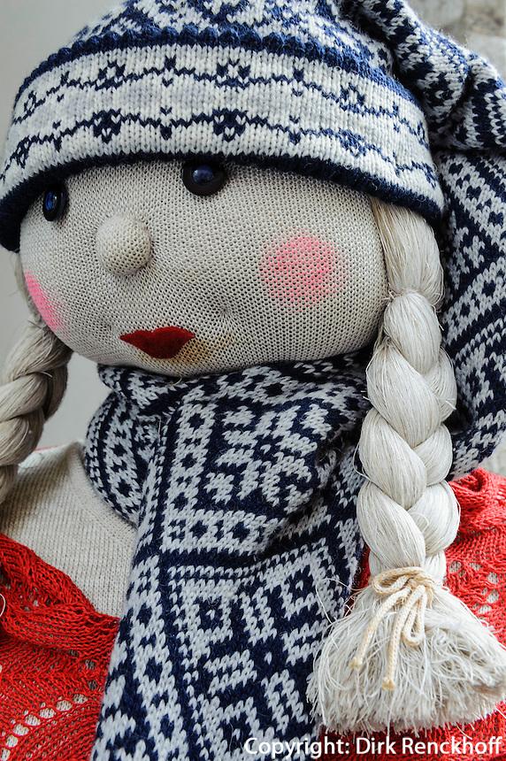 Puppe vor Bekleidungsgeschäft  in Tallinn (Reval), Estland, Europa