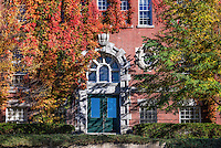 Ivy covered Wilder Hall, Dartmouth University, Hanover, New Hampshire, USA