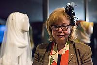 """Juedisches Museum zeigt Schau zu Peruecke, Burka und Ordenstracht.<br /> Das Juedische Museum Berlin widmet sich vom 31. Maerz 2017 an in einer Ausstellung der Verhuellung der Frau. Unter dem Titel """"Cherchez la femme. Peruecke, Burka, Ordenstracht"""" gehe die Schau der Frage auf den Grund, wie viel sichtbare Religiositaet saekulare Gesellschaften heute vertragen, kuendigte das Museum am Dienstag an.<br /> Auffallende religioese Kleidung von Frauen gelte oft als Provokation und sei verbalen Attacken ausgesetzt. Die Ausstellung werfe einen Blick auf die Urspruenge weiblicher Verschleierung und ihre religioesen Bedeutung fuer Judentum, Christentum und Islam.<br /> Auf 400 Quadratmetern werden bis zum 2. Juli die unterschiedlichen Einstellungen zum Umgang mit der weiblichen Verhuellung von Kopf und Koerper seit der Antike gezeigt. Dabei wird die Stellung der Frau zwischen Religion und Selbstbestimmung thematisiert - von der Tradition bis zum religioesen Feminismus. Kuenstlerische Arbeiten reflektieren den Angaben zufolge die Relevanz traditioneller Braeuche fuer die Gegenwart. In Video-Installationen kommen zudem juedische und muslimische Frauen aller Richtungen zu Wort.<br /> Im Bild: Cilly Kugelmann, Programmdirektorin und stellv. Direktorin des Juedischen Museum.<br /> 30.3.2017, Berlin<br /> Copyright: Christian-Ditsch.de<br /> [Inhaltsveraendernde Manipulation des Fotos nur nach ausdruecklicher Genehmigung des Fotografen. Vereinbarungen ueber Abtretung von Persoenlichkeitsrechten/Model Release der abgebildeten Person/Personen liegen nicht vor. NO MODEL RELEASE! Nur fuer Redaktionelle Zwecke. Don't publish without copyright Christian-Ditsch.de, Veroeffentlichung nur mit Fotografennennung, sowie gegen Honorar, MwSt. und Beleg. Konto: I N G - D i B a, IBAN DE58500105175400192269, BIC INGDDEFFXXX, Kontakt: post@christian-ditsch.de<br /> Bei der Bearbeitung der Dateiinformationen darf die Urheberkennzeichnung in den EXIF- und  IPTC-Daten nicht entfernt werden, diese sind """
