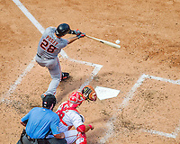 7 August 2016: San Francisco Giants catcher Buster Posey in action against the Washington Nationals at Nationals Park in Washington, DC. The Nationals shut out the Giants 1-0 to take the rubber match of their 3-game series. Mandatory Credit: Ed Wolfstein Photo *** RAW (NEF) Image File Available ***