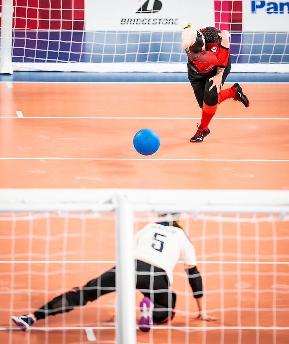 Amy Burk, Tokyo 2020 - Goalball.<br /> Canada takes on Russia in the preliminary round // Le Canada affronte la Russie au tour préliminaire. 25/08/2021.
