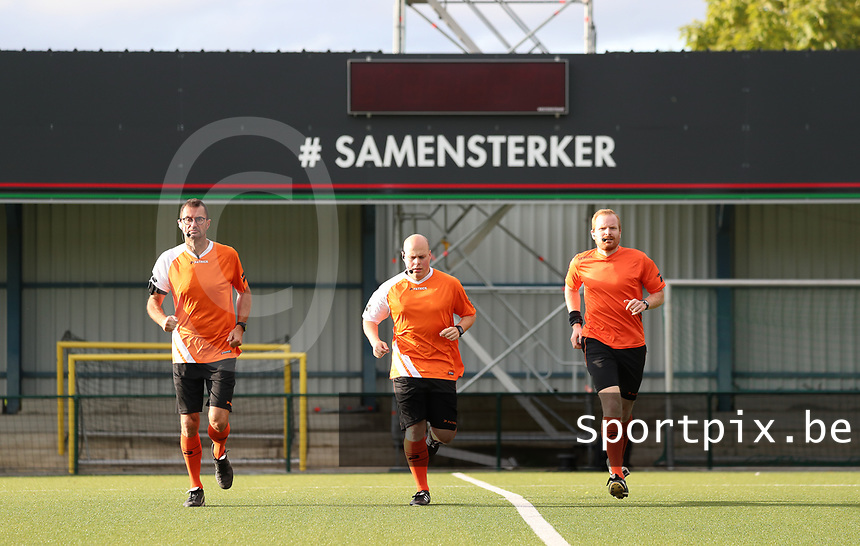 Referees pictured during the warm up before a female soccer game between Oud Heverlee Leuven and Eendracht Aalst Ladies  on the third matchday of the 2020 - 2021 season of Belgian Womens Super League , Sunday 4 th of October 2020  in Heverlee , Belgium . PHOTO SPORTPIX.BE | SPP | SEVIL OKTEM