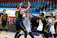 24-03-2021: Basketbal: Donar Groningen v Landstede Hammers: Groningen, Donar speler Willem Brandwijk en Landstede speler Ralf de Pagter in duel om de bal
